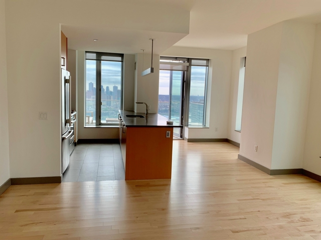 1 Bedroom, Financial District Rental in NYC for $6,902 - Photo 2