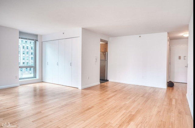 2 Bedrooms, Financial District Rental in NYC for $6,435 - Photo 2