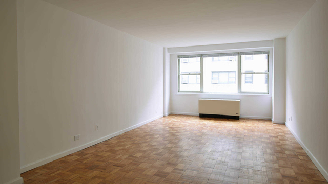 1 Bedroom, Yorkville Rental in NYC for $3,407 - Photo 1
