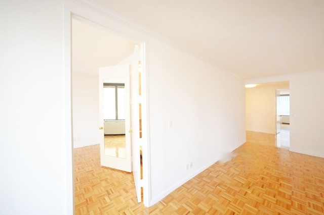 3 Bedrooms, Midtown East Rental in NYC for $11,000 - Photo 2