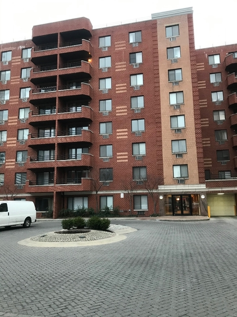 2 Bedrooms, Downtown Flushing Rental in NYC for $2,700 - Photo 1
