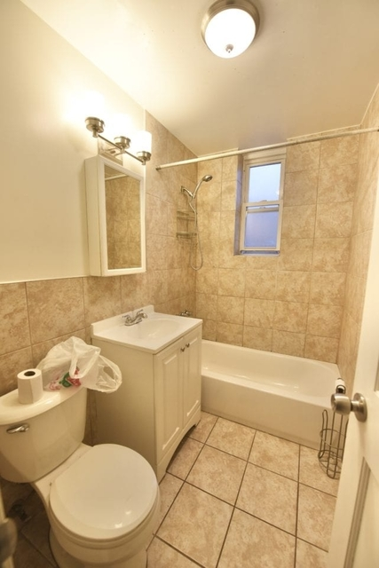 3 Bedrooms, Ditmars Rental in NYC for $3,400 - Photo 2