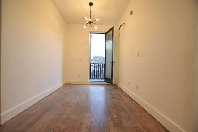 2 Bedrooms, East Williamsburg Rental in NYC for $4,000 - Photo 2