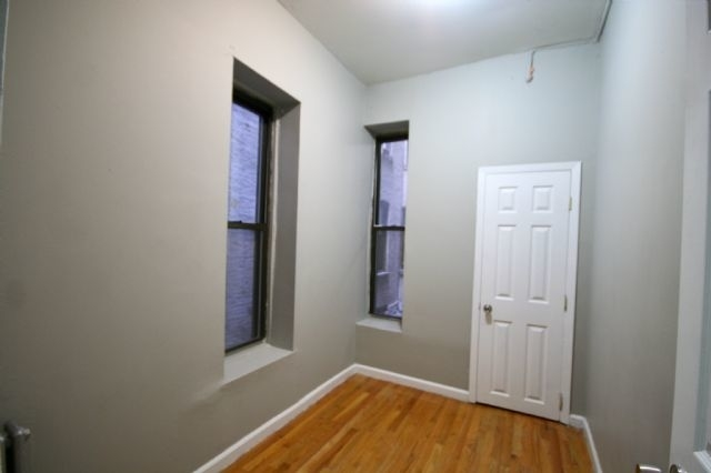 2 Bedrooms, Alphabet City Rental in NYC for $2,395 - Photo 2
