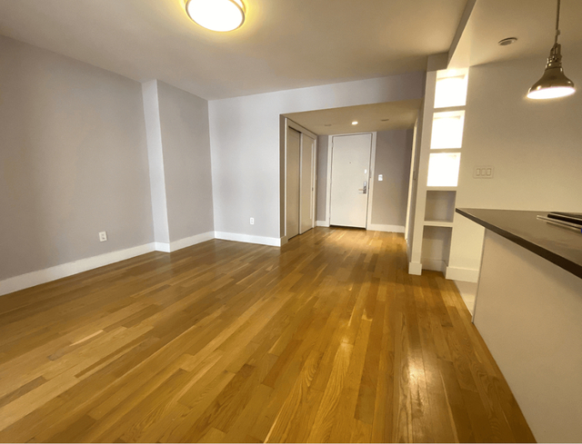 2 Bedrooms, Turtle Bay Rental in NYC for $3,720 - Photo 2