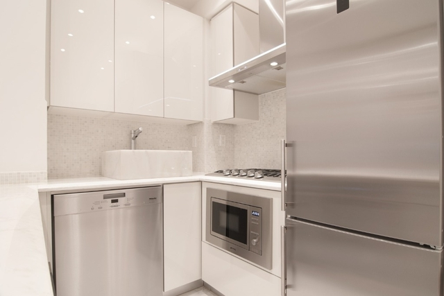 Studio, Theater District Rental in NYC for $3,825 - Photo 1