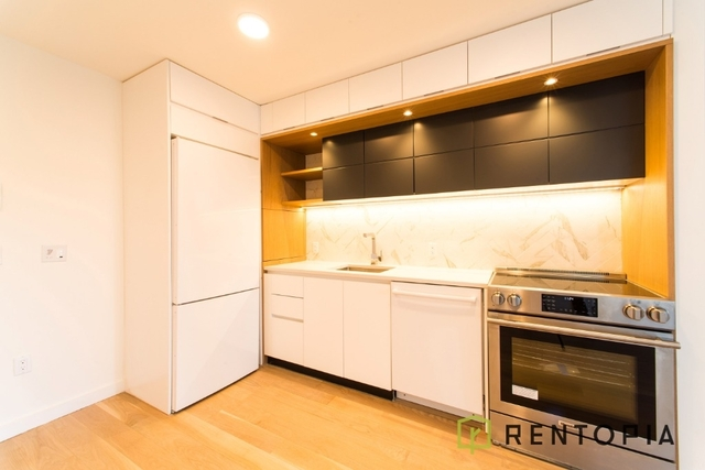 Studio, Long Island City Rental in NYC for $2,450 - Photo 2