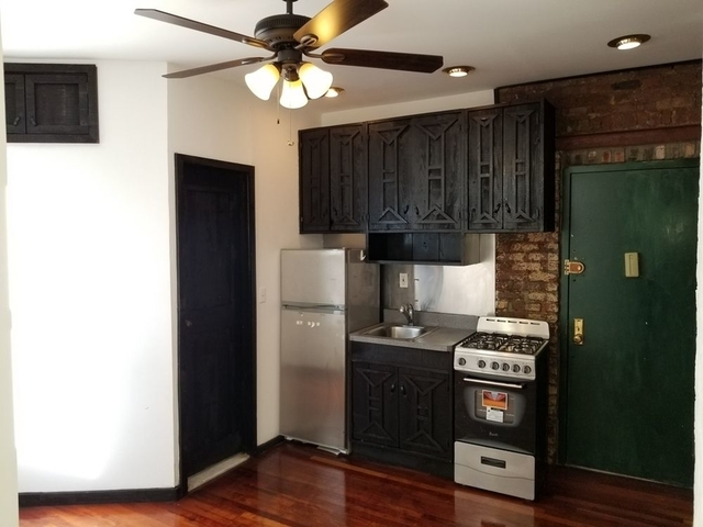 2 Bedrooms, Alphabet City Rental in NYC for $3,000 - Photo 1