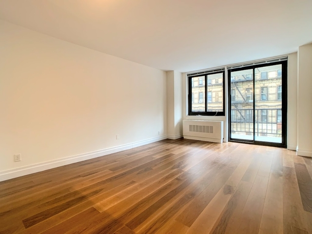 Studio, Yorkville Rental in NYC for $3,175 - Photo 2