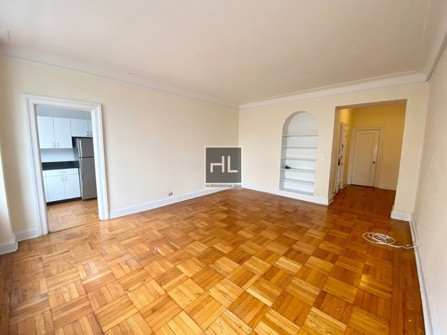 2 Bedrooms, Upper West Side Rental in NYC for $5,700 - Photo 2