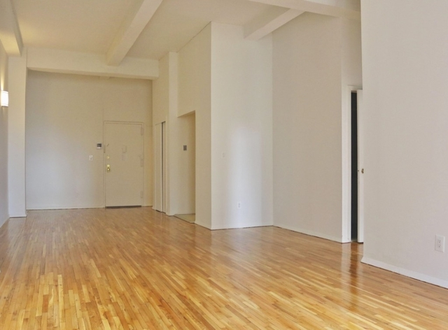 3 Bedrooms, Gramercy Park Rental in NYC for $6,295 - Photo 2