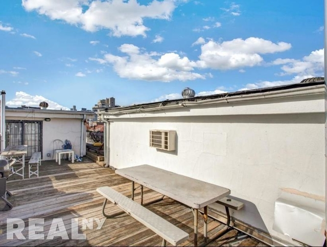 4 Bedrooms, East Village Rental in NYC for $6,195 - Photo 2