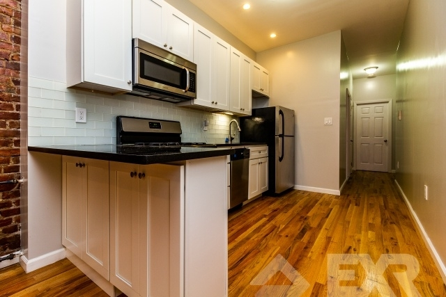 1 Bedroom, South Slope Rental in NYC for $3,125 - Photo 2