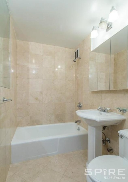 1 Bedroom, West Village Rental in NYC for $5,095 - Photo 2