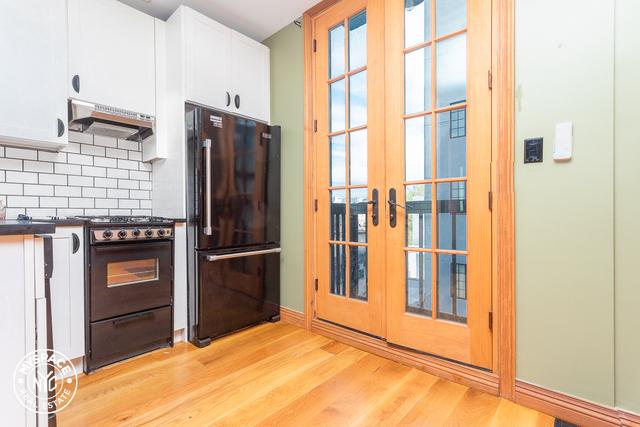2 Bedrooms, Ridgewood Rental in NYC for $2,399 - Photo 2