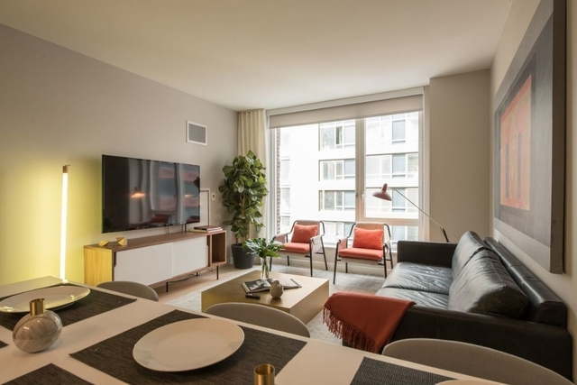 2 Bedrooms, Hell's Kitchen Rental in NYC for $5,896 - Photo 2