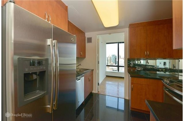 2 Bedrooms, Upper East Side Rental in NYC for $7,600 - Photo 2