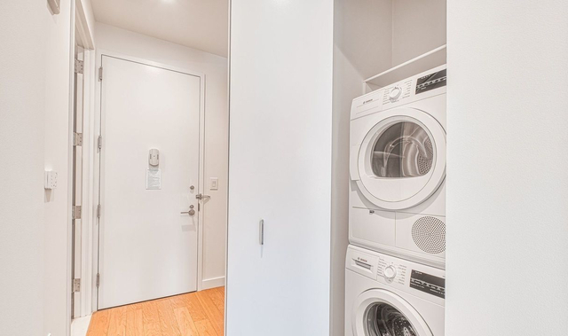 Studio, Financial District Rental in NYC for $2,837 - Photo 2