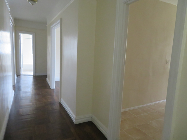 2 Bedrooms, Kingsbridge Heights Rental in NYC for $1,950 - Photo 2