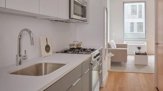 2 Bedrooms, Williamsburg Rental in NYC for $6,365 - Photo 2