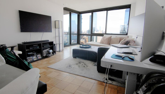 2 Bedrooms, Hell's Kitchen Rental in NYC for $4,499 - Photo 1