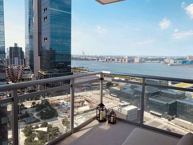 2 Bedrooms, Hell's Kitchen Rental in NYC for $4,467 - Photo 1