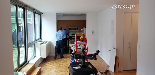 Studio, Hell's Kitchen Rental in NYC for $3,208 - Photo 2