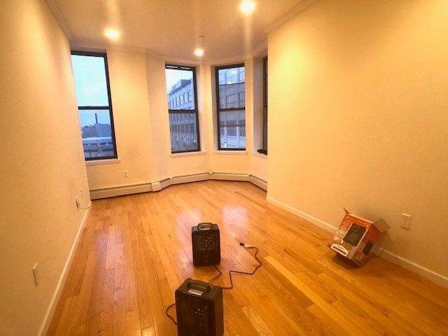 2 Bedrooms, Sunset Park Rental in NYC for $2,500 - Photo 1