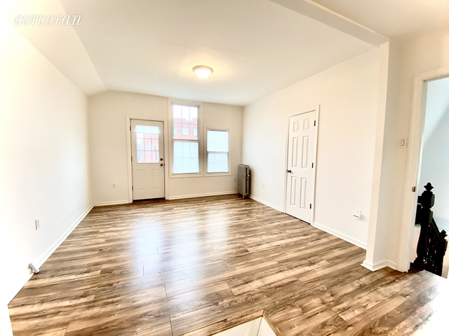 2 Bedrooms, Borough Park Rental in NYC for $2,800 - Photo 2
