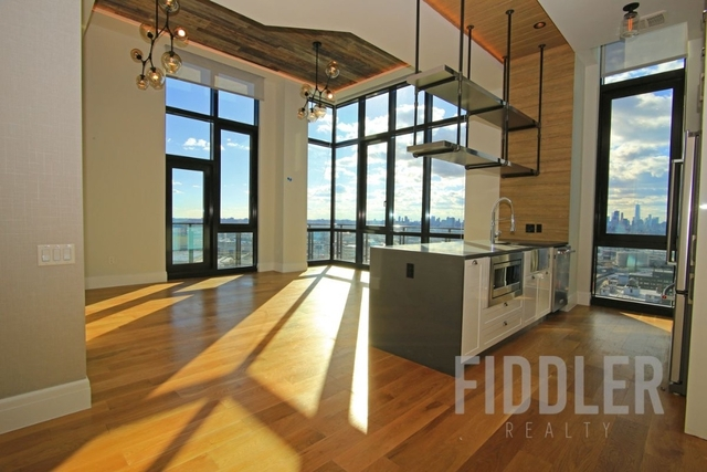 3 Bedrooms, Long Island City Rental in NYC for $7,846 - Photo 1