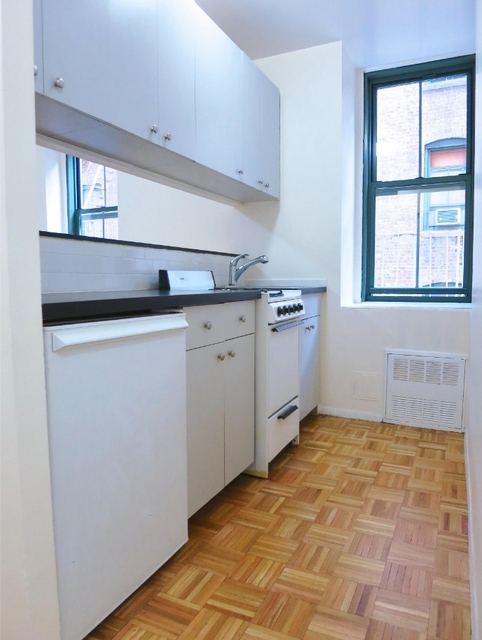 Studio, Upper East Side Rental in NYC for $2,001 - Photo 2