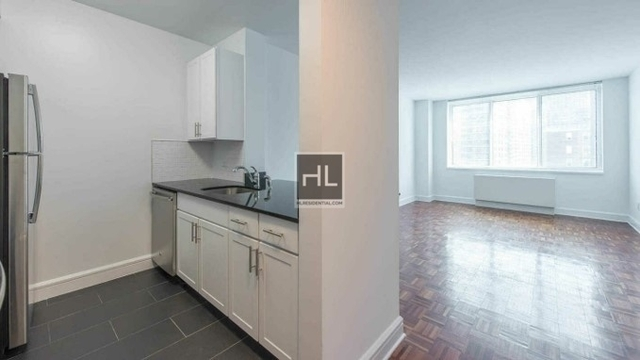 Studio, Lincoln Square Rental in NYC for $3,080 - Photo 1