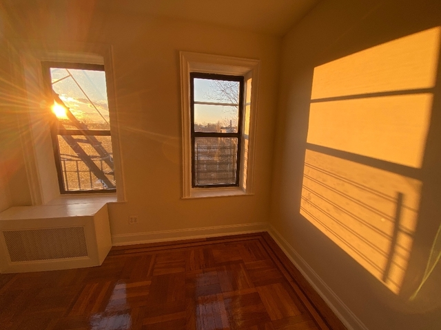 2 Bedrooms, Flushing Rental in NYC for $1,890 - Photo 2