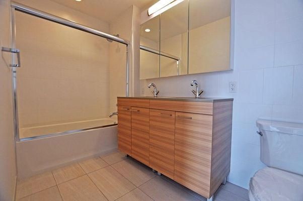 1 Bedroom, Long Island City Rental in NYC for $3,485 - Photo 2