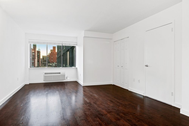 1 Bedroom, Chelsea Rental in NYC for $4,427 - Photo 2