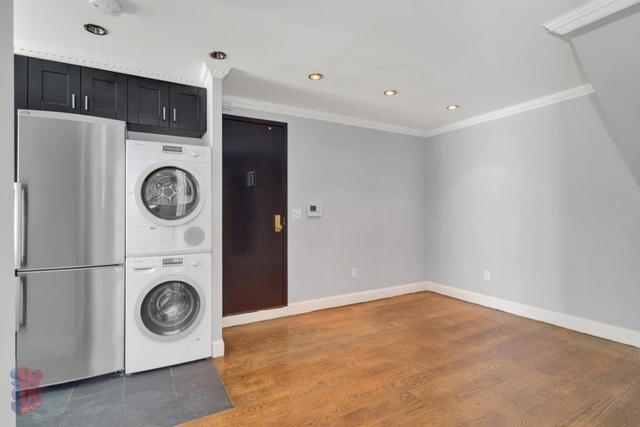 2 Bedrooms, Little Italy Rental in NYC for $4,050 - Photo 2