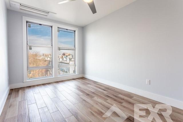 1 Bedroom, Bushwick Rental in NYC for $2,294 - Photo 2