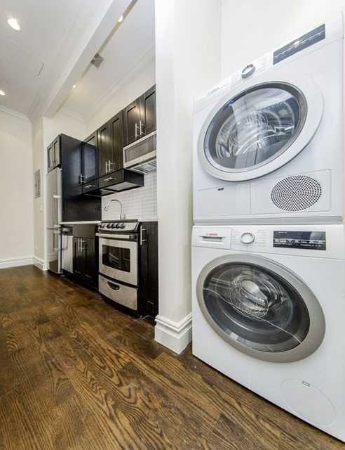 3 Bedrooms, East Village Rental in NYC for $5,583 - Photo 2