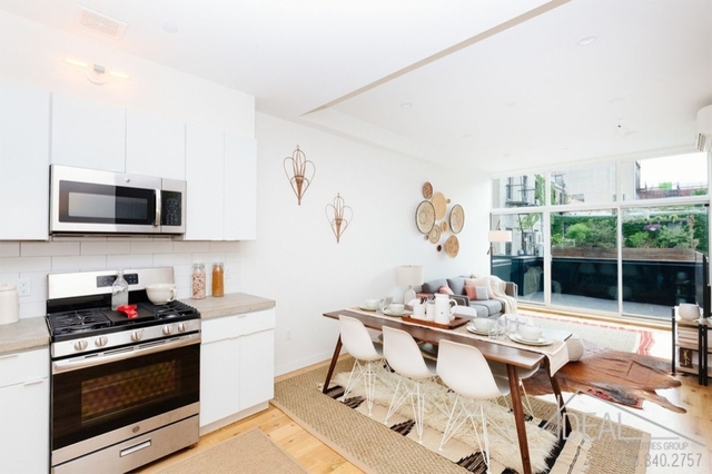 3 Bedrooms, Williamsburg Rental in NYC for $6,000 - Photo 2