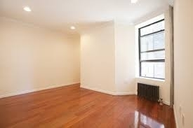 3 Bedrooms, Hell's Kitchen Rental in NYC for $2,900 - Photo 2