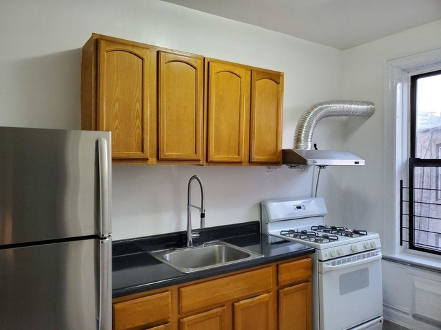 2 Bedrooms, Brighton Beach Rental in NYC for $2,095 - Photo 1