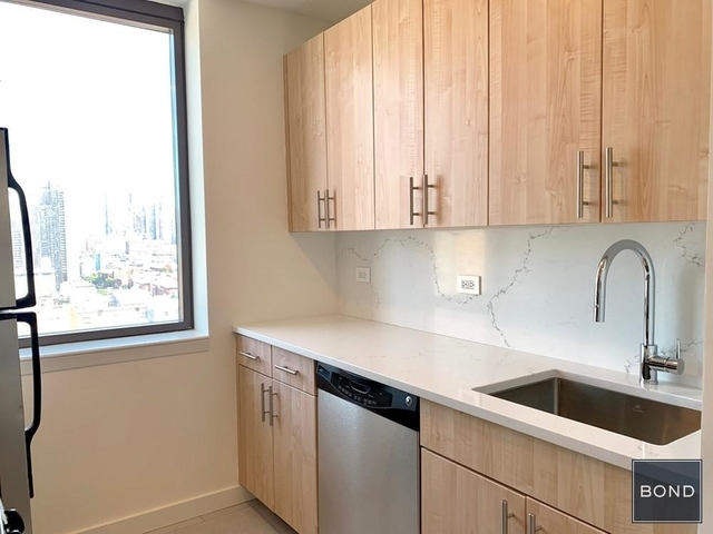 Studio, Hell's Kitchen Rental in NYC for $3,255 - Photo 2