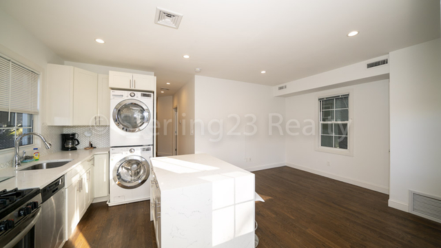 3 Bedrooms, Astoria Heights Rental in NYC for $2,700 - Photo 1