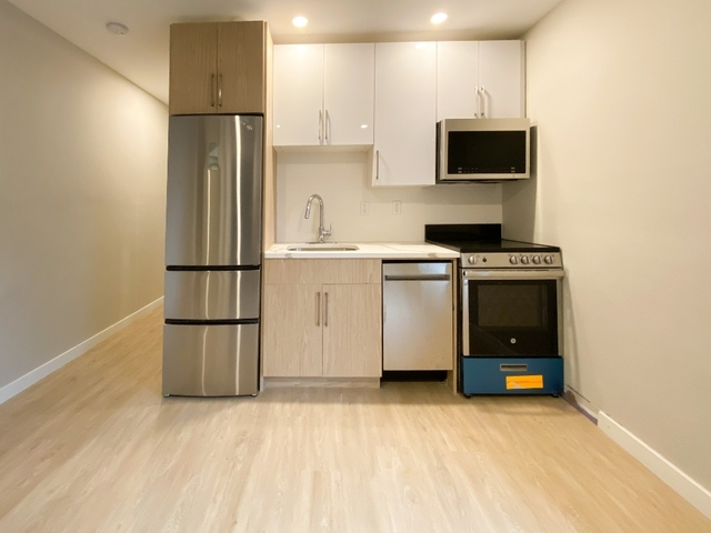 3 Bedrooms, Bedford-Stuyvesant Rental in NYC for $2,560 - Photo 2