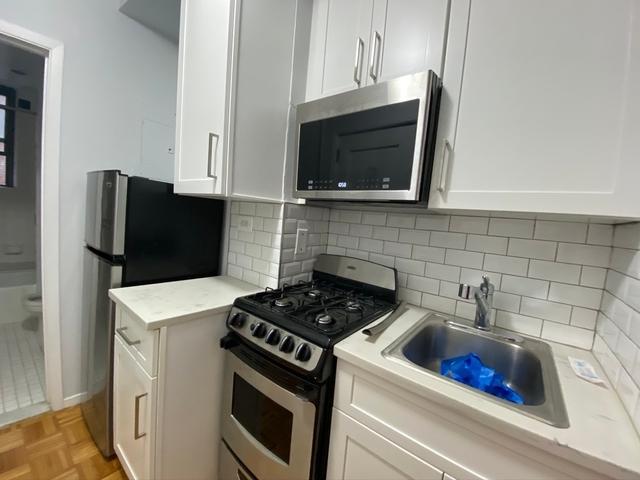 Studio, Yorkville Rental in NYC for $2,075 - Photo 2