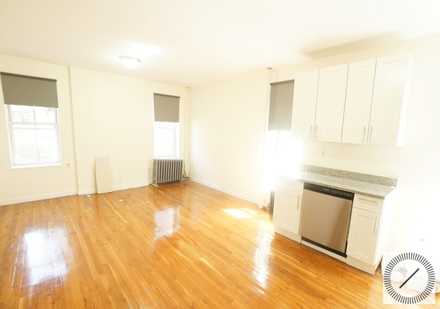 2 Bedrooms, Central Slope Rental in NYC for $2,675 - Photo 2