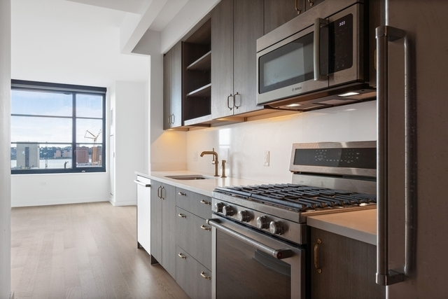 2 Bedrooms, Hell's Kitchen Rental in NYC for $6,575 - Photo 1