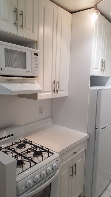 Studio, Yorkville Rental in NYC for $1,787 - Photo 2