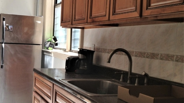 3 Bedrooms, Crown Heights Rental in NYC for $3,040 - Photo 2