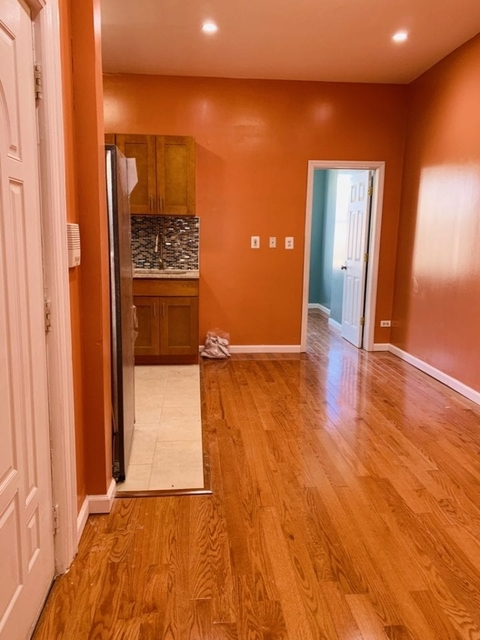 3 Bedrooms, Astoria Rental in NYC for $2,449 - Photo 1